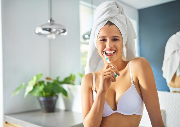 Electric VS Traditional: Toothbrushes and Floss